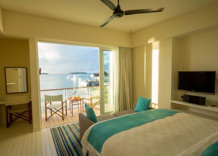 Holiday Inn Resort Kandooma Maldives Luxhotels (11)
