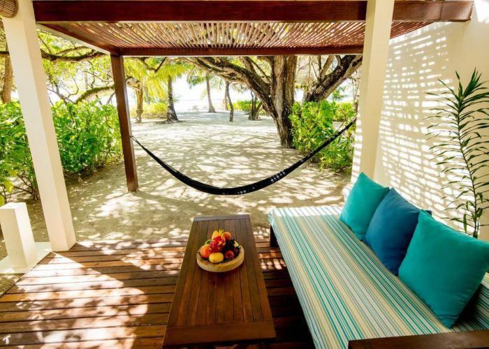 Holiday Inn Resort Kandooma Maldives Luxhotels (13)