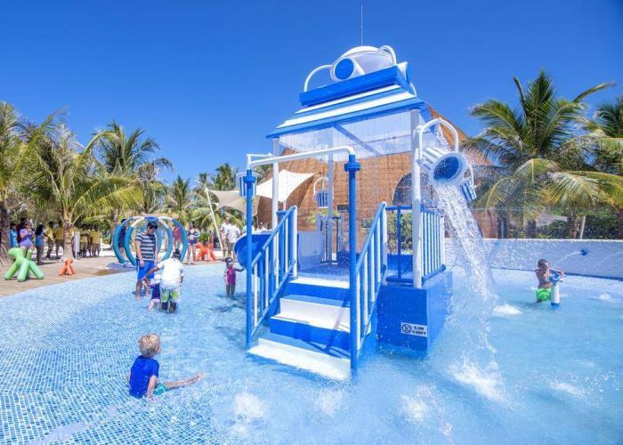 Holiday Inn Resort Kandooma Maldives Luxhotels (7)