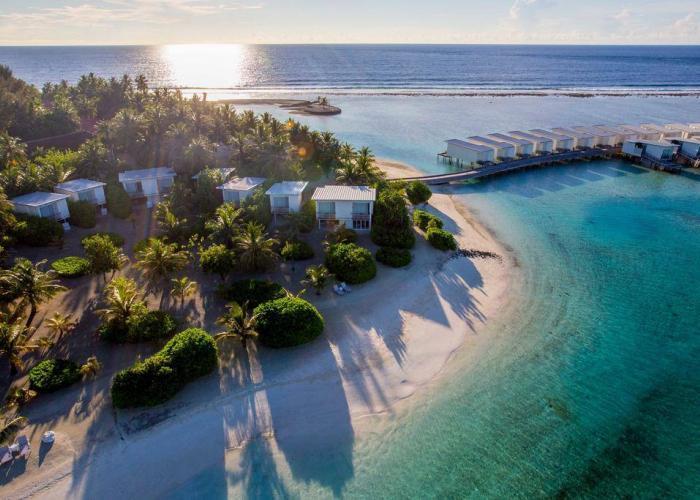 Holiday Inn Resort Kandooma Maldives Luxhotels (9)