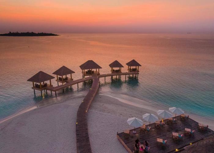 Kudafushi Resort & Spa Luxhotels (11)