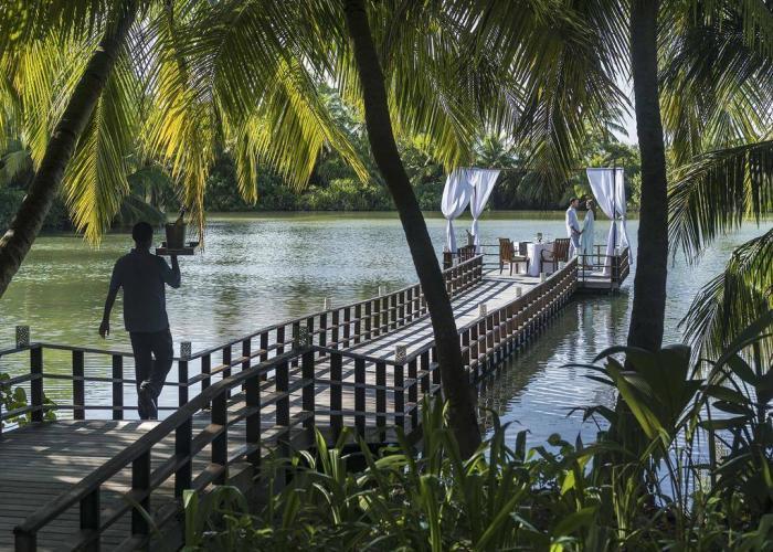 Shangri Las Villingili Resort & Spa Luxhotels (4)