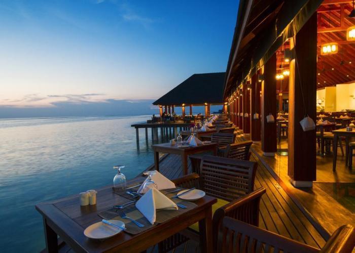 Summer Island Maldives Luxhotels (8)