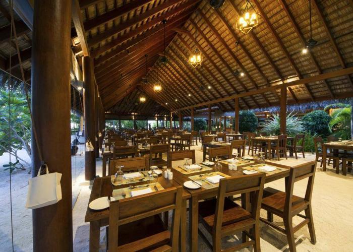 Summer Island Maldives Luxhotels (9)