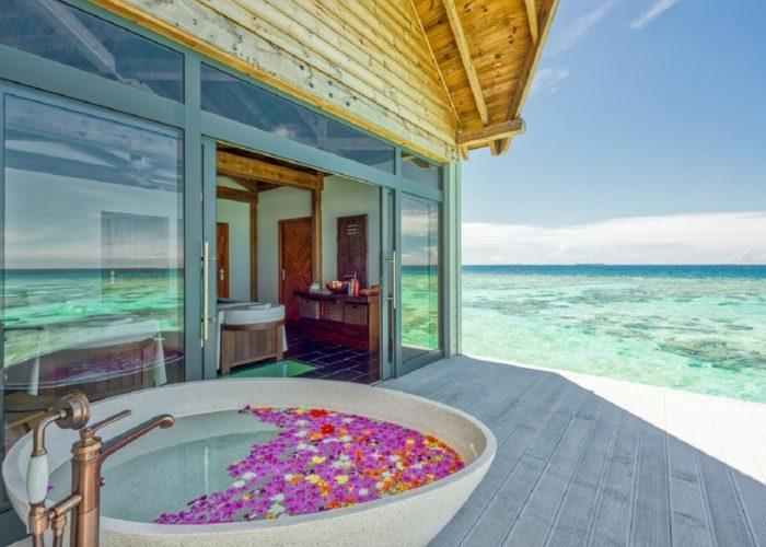 Mӧvenpick Resort Kuredhivaru Maldives Luxhotels (16)