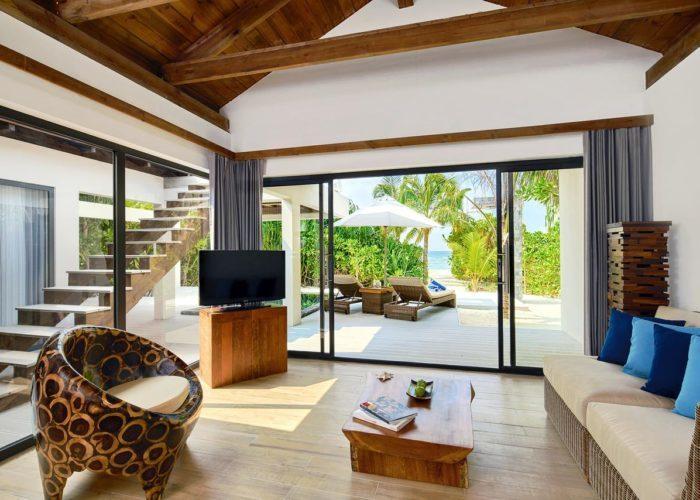 Mӧvenpick Resort Kuredhivaru Maldives Luxhotels (3)