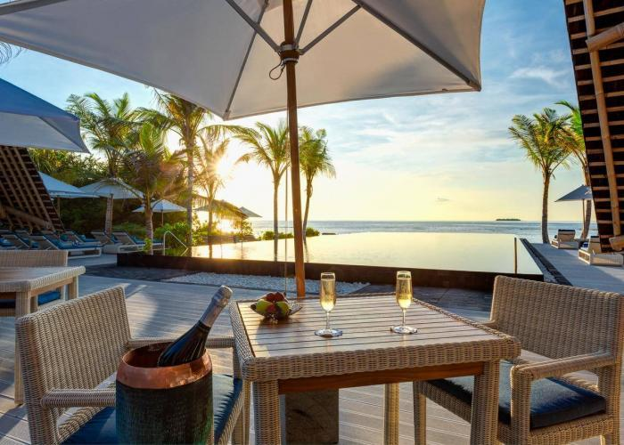 Movenpick Resort Kuredhivaru LUXHOTELS (3)