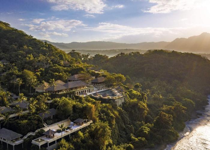 Amankila Bali luxhotels (2)